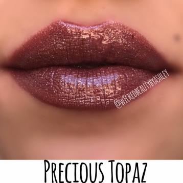 ON SOME SKIN TONES, ESPECIALLY LIGHTER ONES, THE MAUVE UNDERTONE OF THIS BROWN SHOWS THROUGH